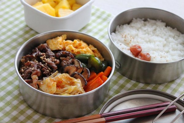 肉野菜炒めのお弁当