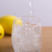 夏はシュワッと家飲みしよう!おいしい「レモンサワー」の作り方