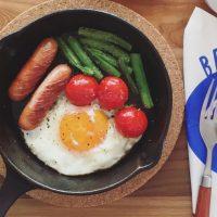 10分朝ごはんの定番!基本の「スキレット目玉焼き」レシピ