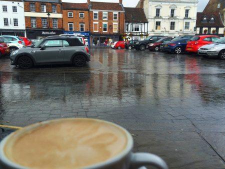 雨の日カフェ