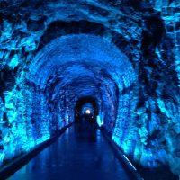 カナダ初の鉄道トンネルで朝散歩