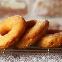 食べに行くのも作るのもアリ!「豆乳ドーナツ」おすすめ店&レシピ