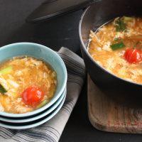 カプサイシンで朝からぽかぽか!「トマトとキムチの卵スープ」♪