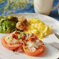 寒い朝はこんがりホットで!フライパンで簡単♪「トマトのソテー」