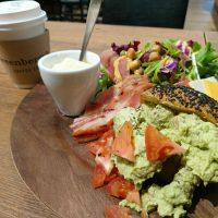 【大阪】溢れんばかり!贅沢パワーサラダのモーニング@Greenberry's Coffee