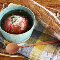 レンジで4分♪崩しながら食べる「まるごとトマトスープ」