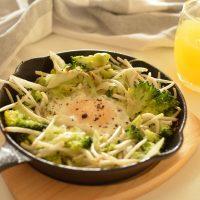 洗い物が楽ちん!スキレットで簡単ヘルシーレシピ♪「キャベツの巣ごもり卵」
