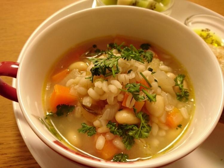 リゾット風☆「野菜たっぷりもち麦のスープ」