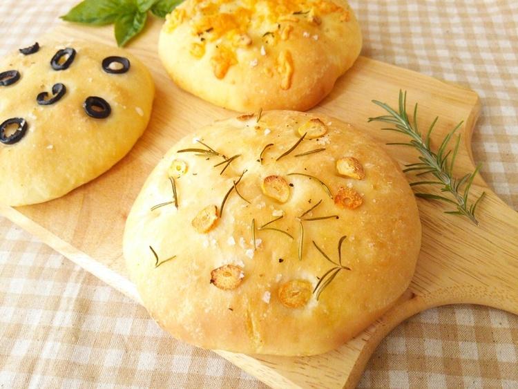 ォカッチャ《イタリアの卵乳なしパン・朝ごはんやパスタの付け合せなどに》 by:anさん