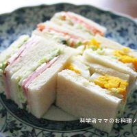 簡単リメイク☆野菜たっぷり「コールスロー」サンドイッチ5選