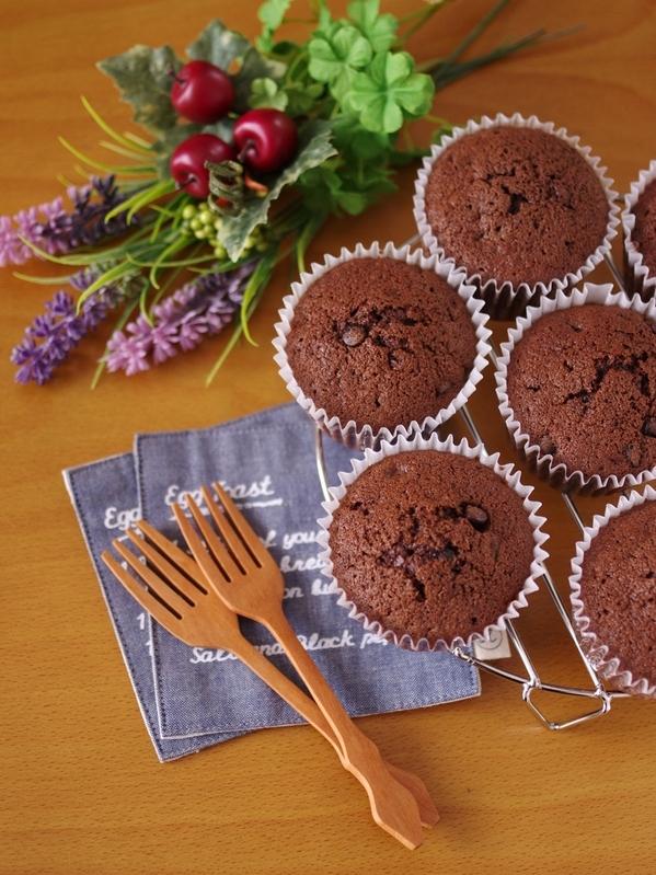 簡単ホットケーキミックスでつくる、ダブルチョコレートのカップケーキ by:めろんぱんママさん