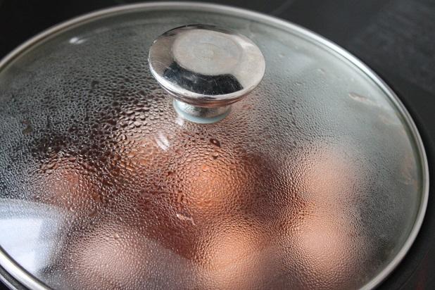 「手作りミートボール」を煮る所