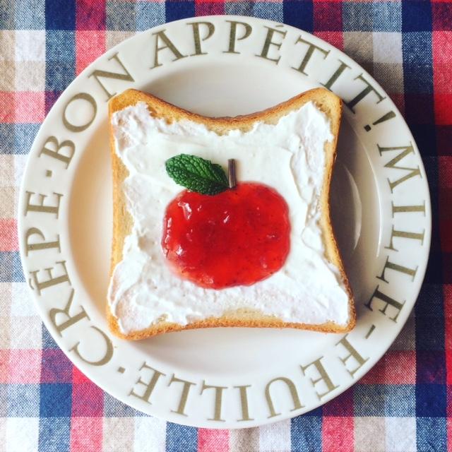 りんごの絵トースト