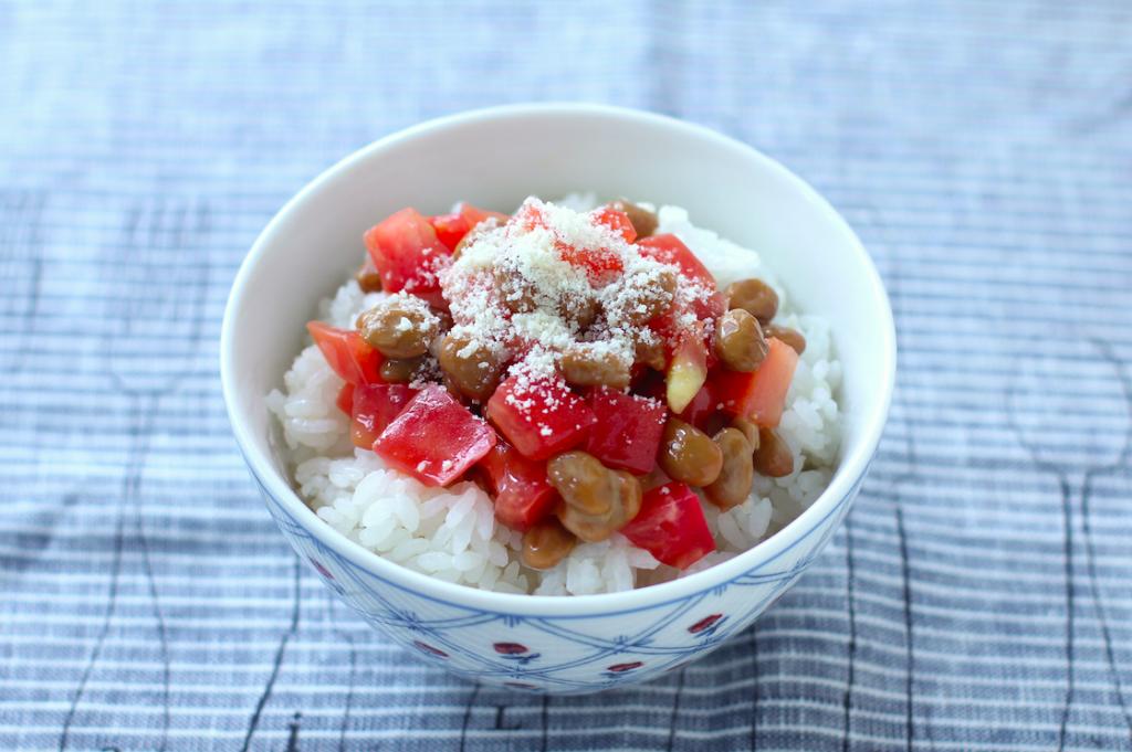 忙しい朝におすすめ! 納豆にちょい足しで栄養バランスUPな「のっけ丼」