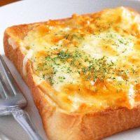 とろ~りサクサク♪「食パン×チーズ」の絶品トースト5選