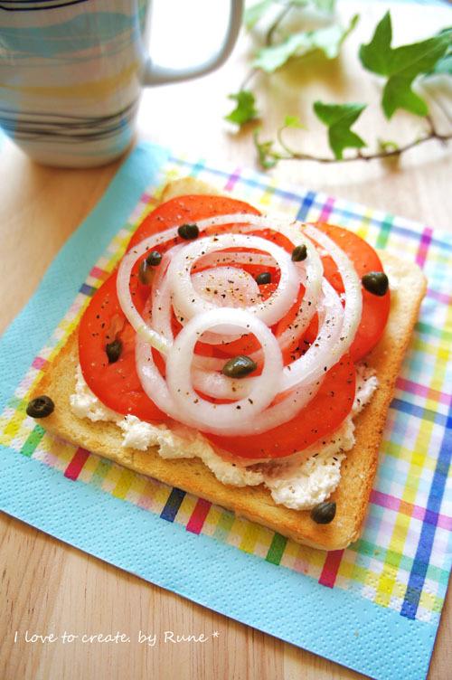 1分で簡単☆スモーサーモンのような味わいトマトトースト☆ by:Runeさん