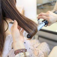 ヘアアレンジ前に!仕上がりが変わる「髪の巻き方」基本テク