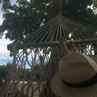 「モーリシャス島の海辺でのんびりブランチ」