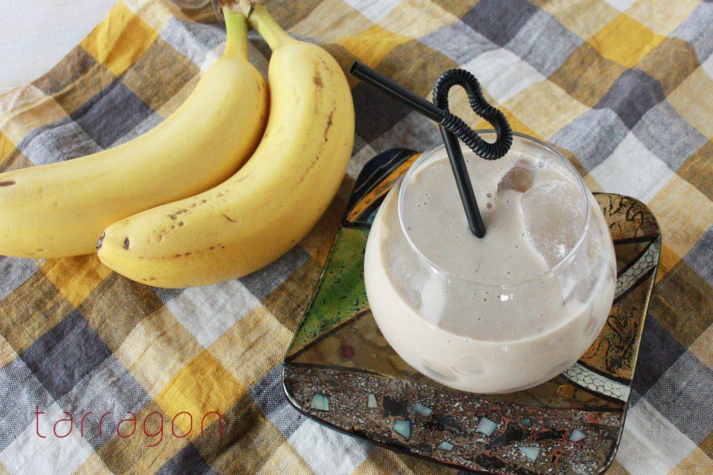 ミキサーいらずで簡単!ココア風味の「豆乳バナナジュース」♪