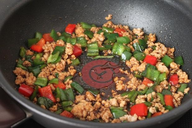 巣ごもり卵でラクラク♪「和風ガパオライス」のお弁当の作り方