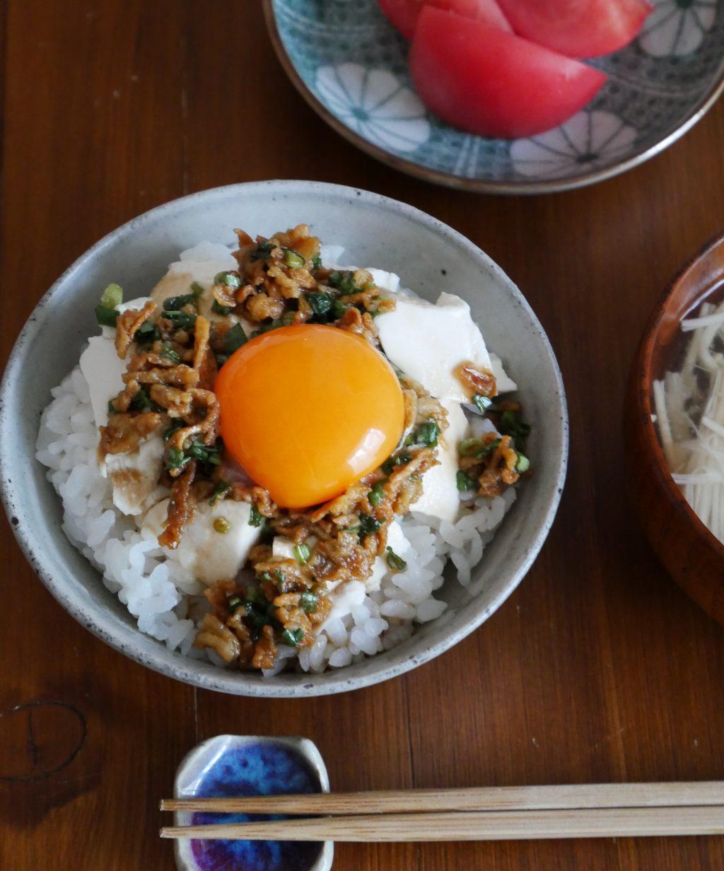 市販の○○で簡単さっぱり「豆腐のっけ丼」