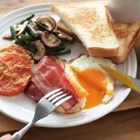 フライパンひとつで3品!10分で「朝ごはんプレート」を作る方法