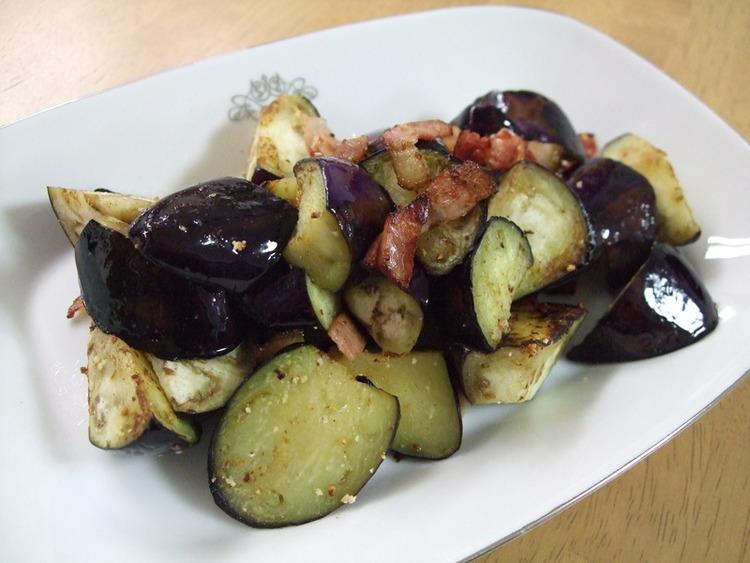 簡単☆茄子とベーコンのオリーブオイル炒め by:kaana57さん