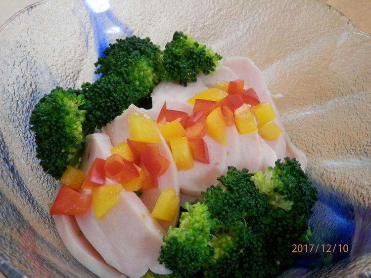 サラダチキンと塩ゆでブロッコリーのサラダ by:kaana57さん