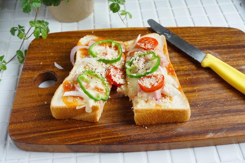 朝は焼くだけ!冷凍保存もOK「ピザトースト」の作り置き by:Mayu*さん