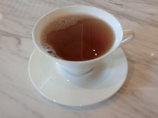 ピエール・エルメ・パリ 青山のプチデジュネ 紅茶