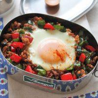 巣ごもり卵で時短ラクラク♪「和風ガパオライス」のお弁当