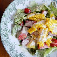 夏の朝にピッタリ☆さっぱりドレッシングの「とうもろこしの彩りサラダ」