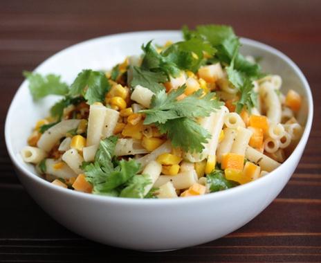 一皿で食べごたえあり!「トウモロコシ&マカロニのサラダ」 by:HOMARYさん
