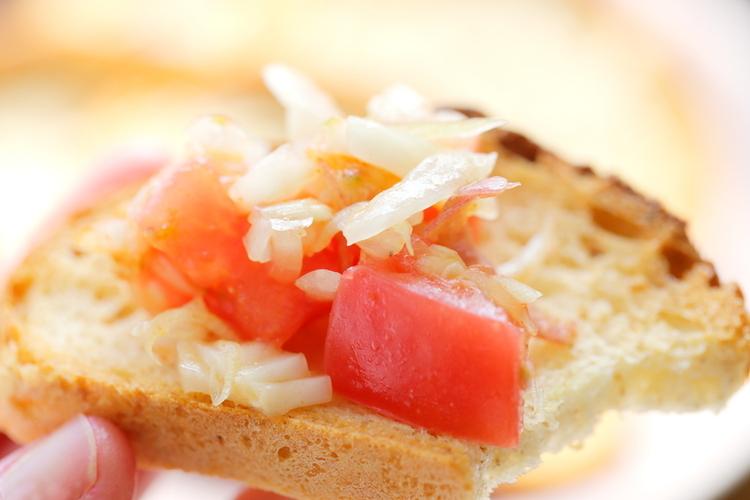 新玉ねぎの味噌漬けとトマトのサルサ風 by:桃百さん
