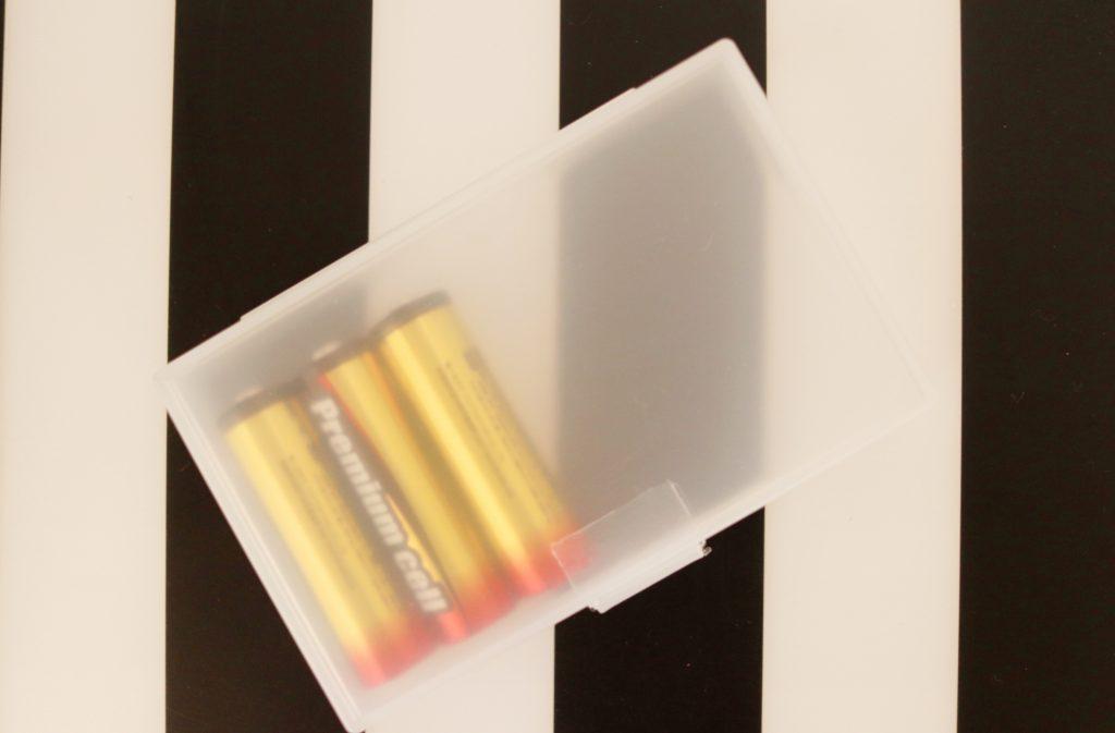 セリアのカードケース×電池