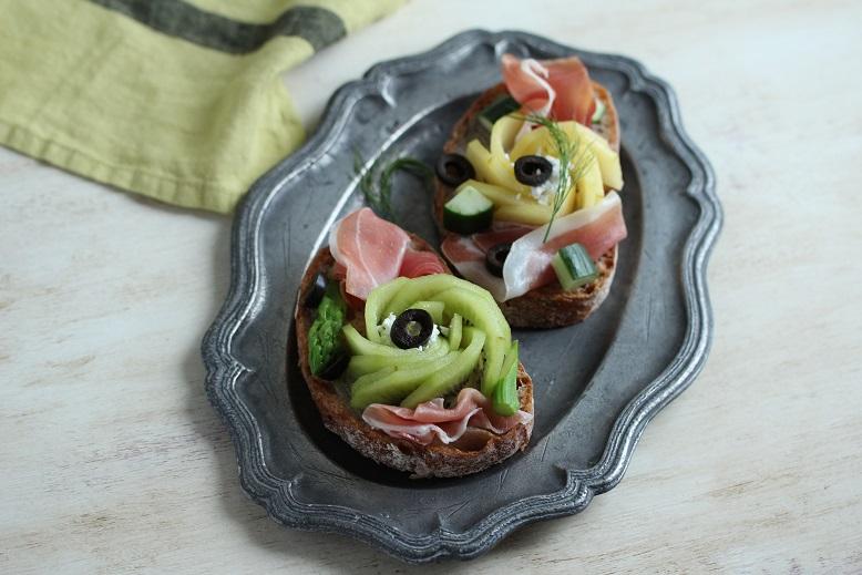 キウイのオープントースト