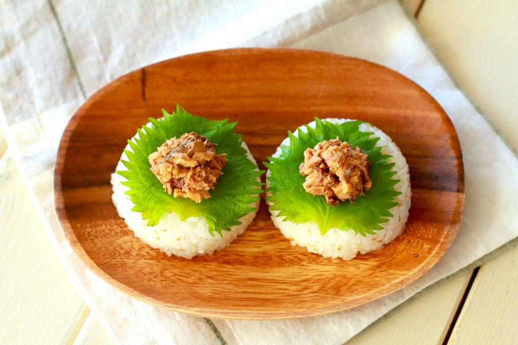 食べ過ぎを防ぐ!「さばそぼろの大葉オリーブオイルおにぎり」 by:河瀬 璃菜さん