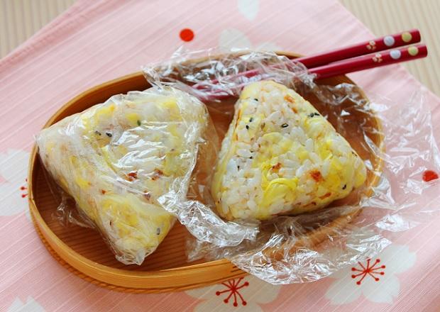 かさ増しで簡単ダイエット弁当!「キャベツとおかかのおにぎり」 by:かめ代(亀山泰子)さん