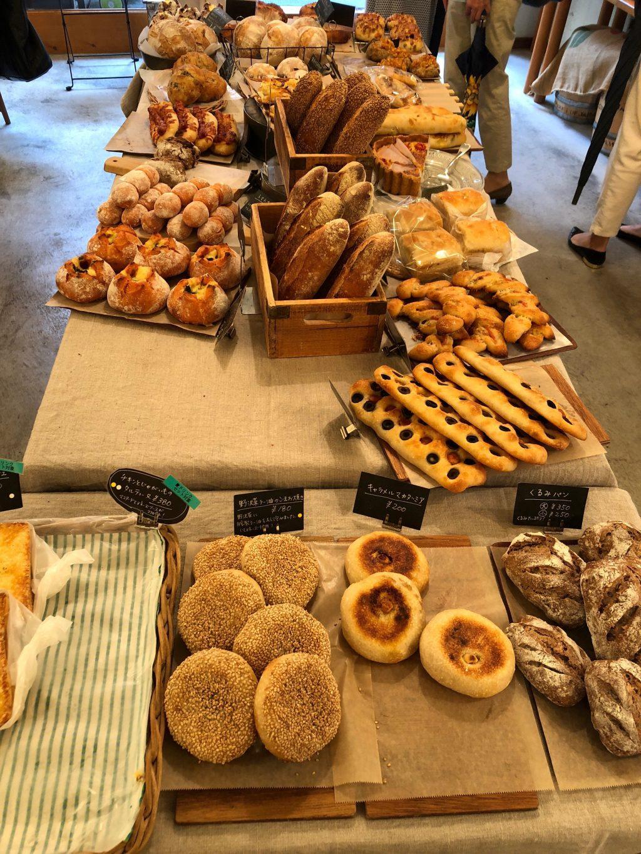萩窪「パンとcafé えだおね」のパン