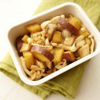 秋の連休に作り置きたい♪「サツマイモとキノコのメープル味」