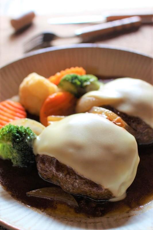 <チーズとろりんハンバーグ> by:はーい♪にゃん太のママさん
