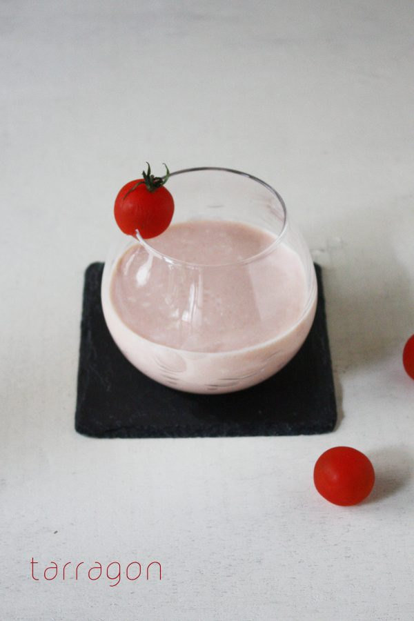 朝のUV対策に♪混ぜるだけでおいしい「飲むトマトヨーグルト」 by:タラゴン(奥津純子)さん
