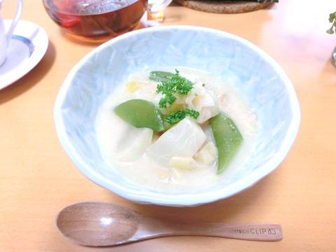 小カブとスナップエンドウの豆乳スープ by:kotoneazusaさん