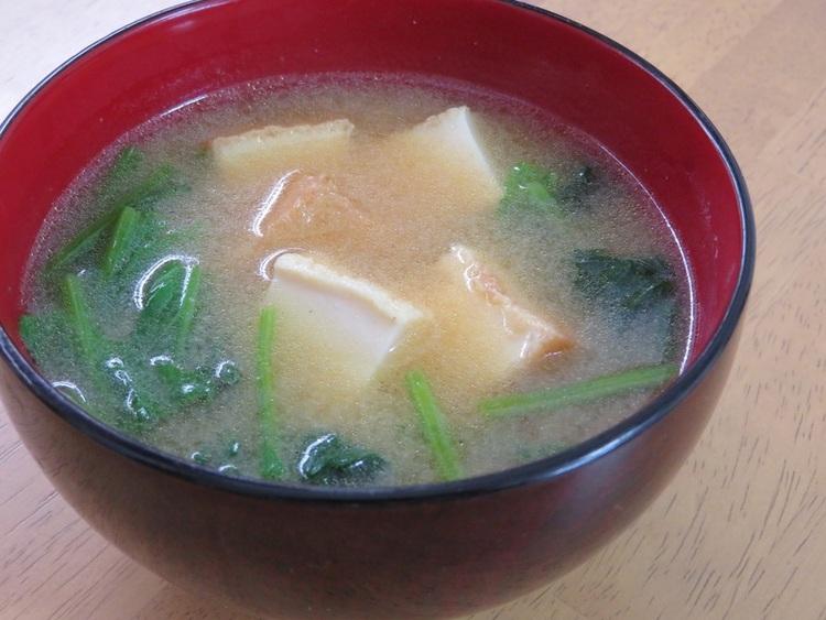 ほっこり簡単♪厚揚げとほうれん草の味噌汁 by:kaana57さん