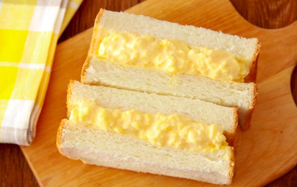 ゆで卵いらずで簡単!半熟とろける「濃厚タマゴサンド」