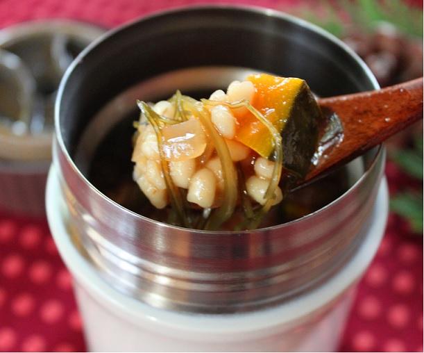 「かぼちゃともち麦のトマトリゾット」スープジャー弁当