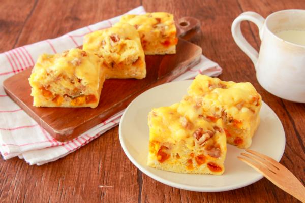 レンジで時短!ホットケーキミックスで簡単「かぼちゃ蒸しパン」