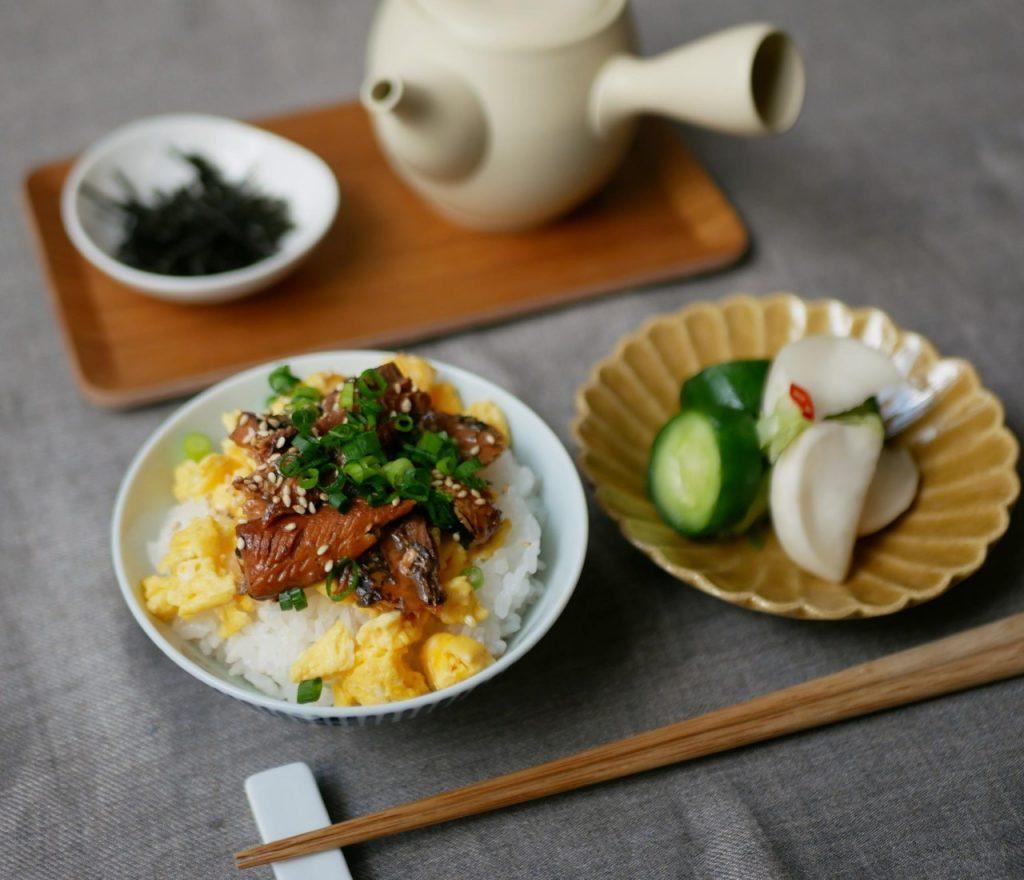 サンマ缶で時短カンタン朝ごはん!ひつまぶし風「のっけ丼」