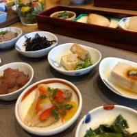 【日本橋】加賀料理の名店で豪華九谷焼の小鉢たっぷり朝ごはん@日本橋浅田