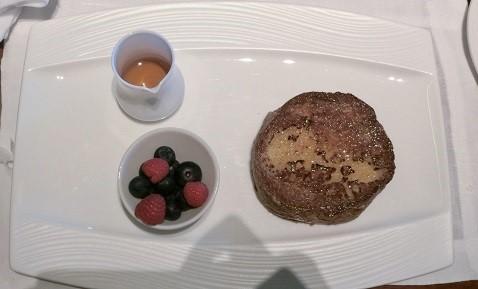 ピエール・エルメのブリオッシュを使用したフレンチトースト